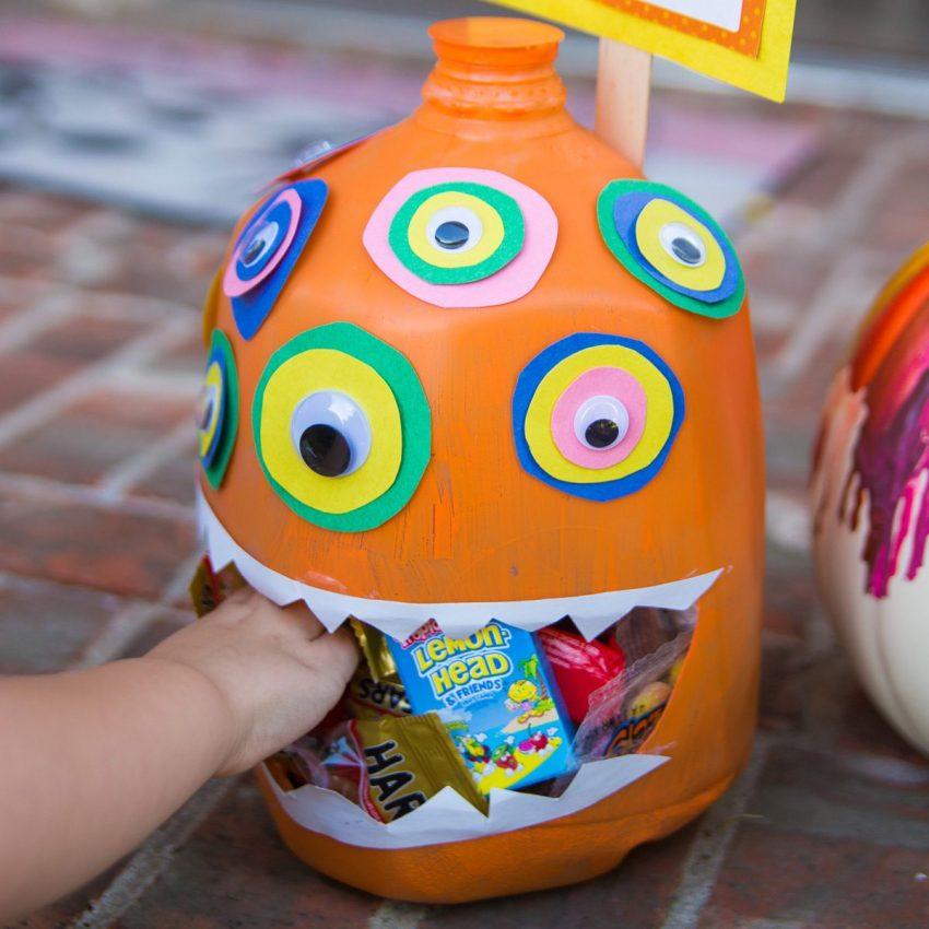 Spooktacular Ways To Display Your Halloween Treats
