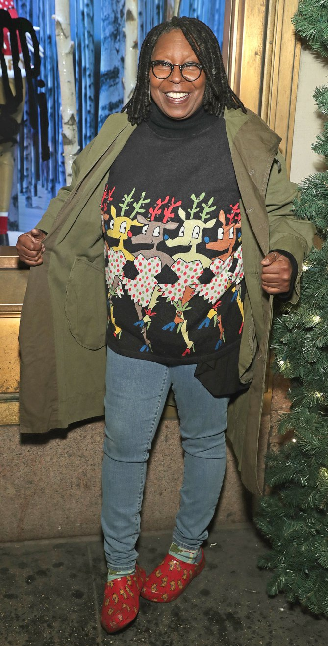 Celebrities In Ugly Christmas Sweaters 1847437074