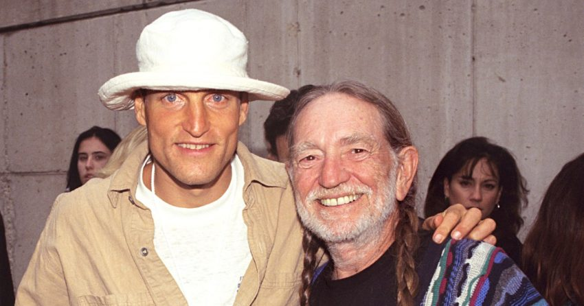 Willie Nelson Gets Woody Harrelson Smoking Weed Again