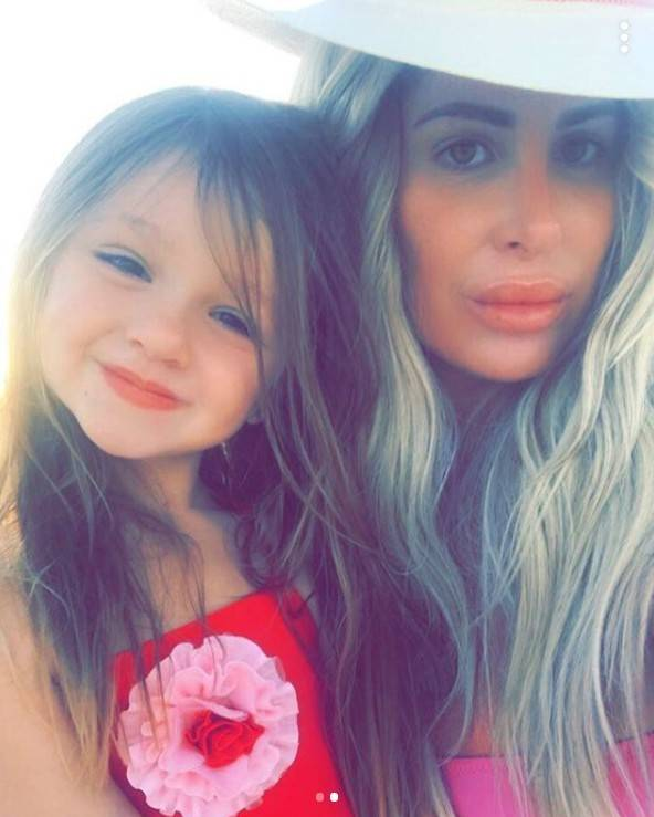 Kim Zolciak Slammed For Photoshopping Her 4-Year-Old Daughter#8217;s Nose #038; Butt